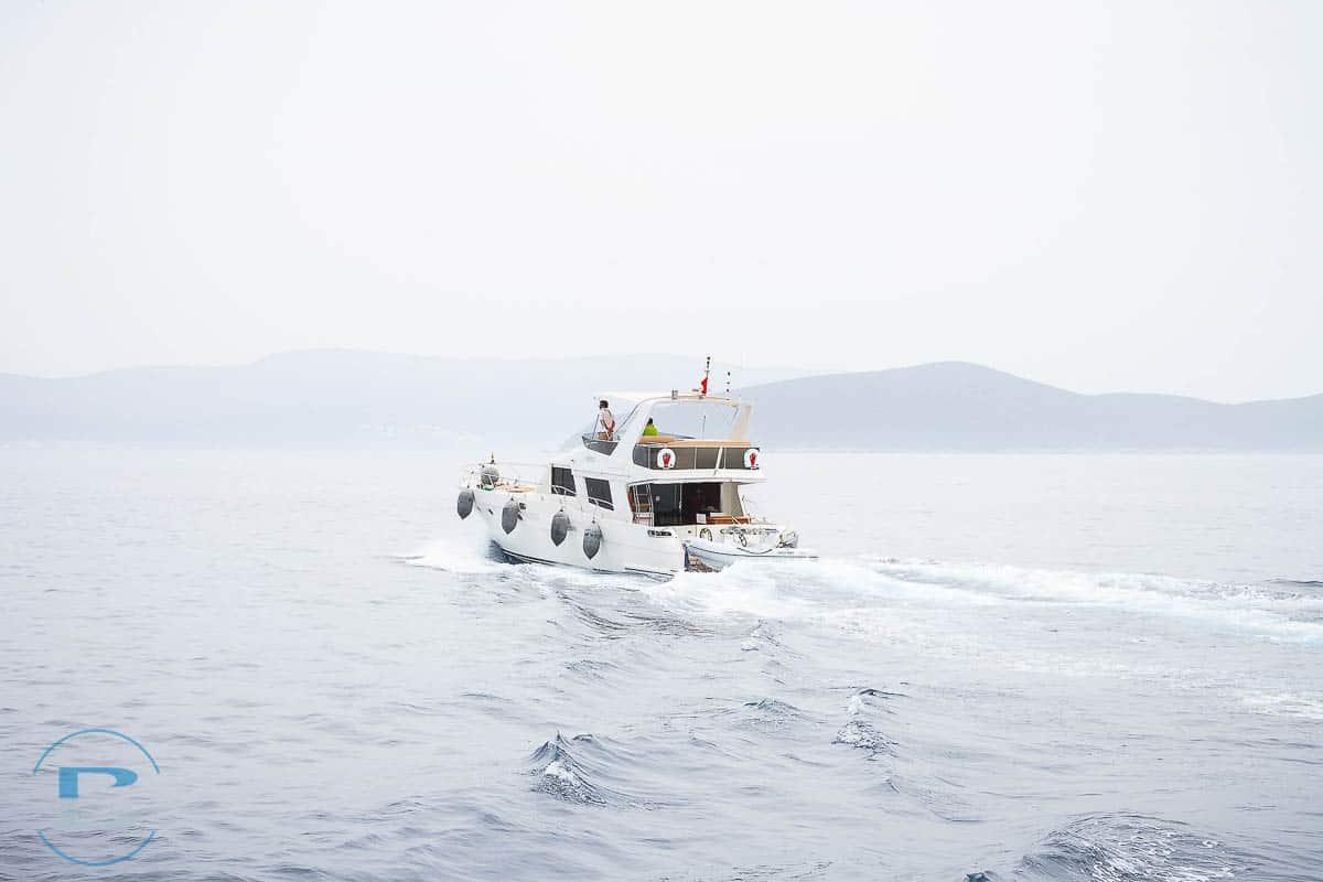 Cruise-motor-boat-turkey