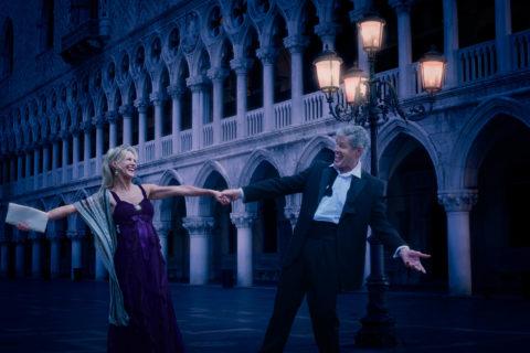 Commercial-photographer-shoot-mature-couple-dancing-st-marks-square-venice