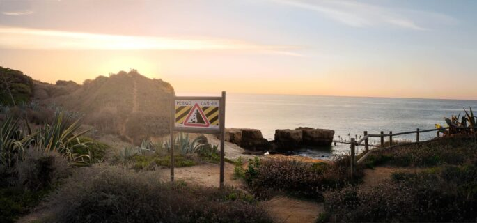 Cliff-path-algarve-portugal