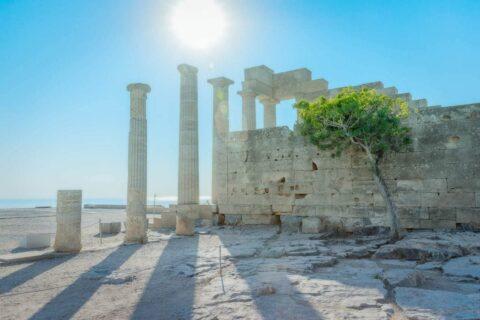 Backlit-lyndos-acropolis