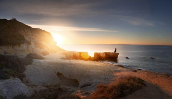 Fisherman-on-algarve-coast-at-dawn-travel-and-photography