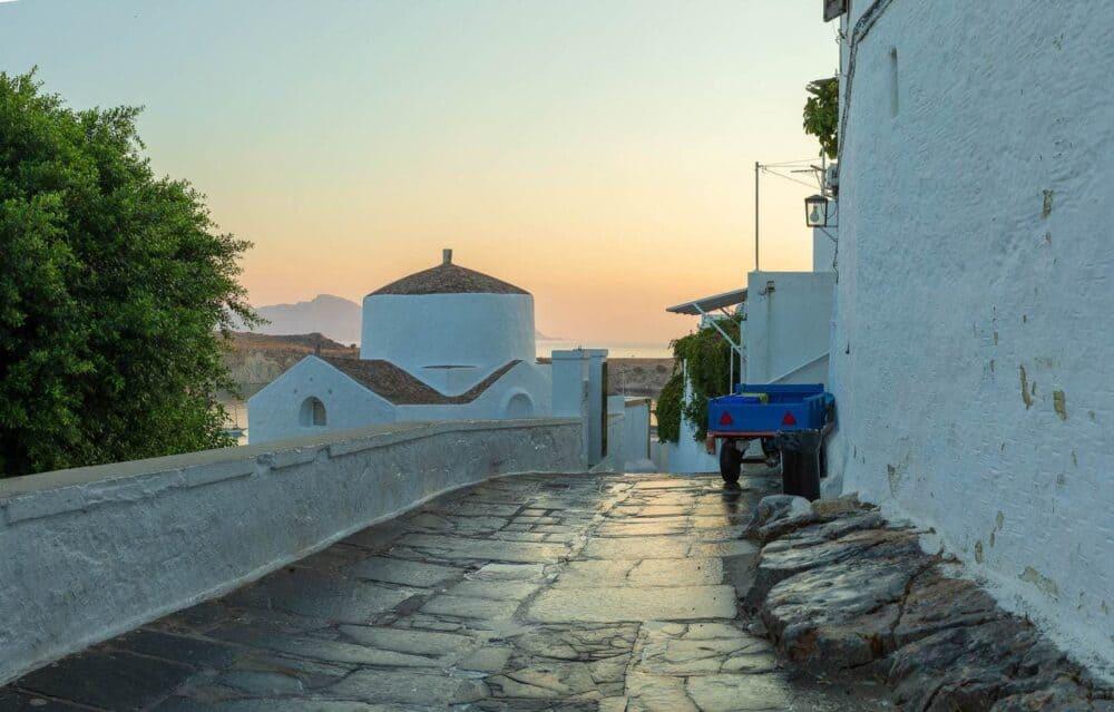 Trip-photography-white-washed-village-street-lyndos-at-dawn