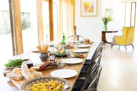 Luxury-hotel-photographer-dining-hall-food
