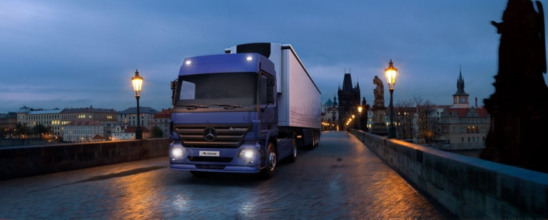 Cgi-mercedes-truck-prague