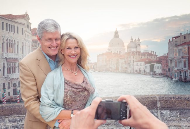 Lifestyle-portrait-mature-couple-grande-canal-venice