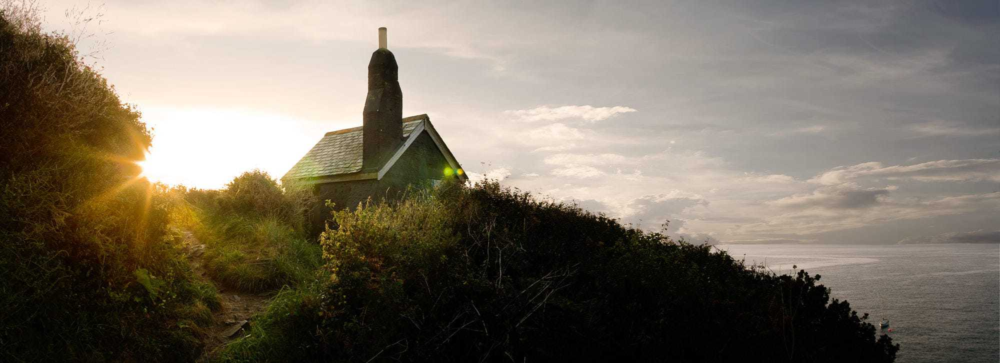 Huers-hut-cadgwith-cornwall