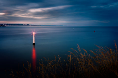 The-teign-estuary-teignmouth-devon-lighthouse-shot-from-shaldon